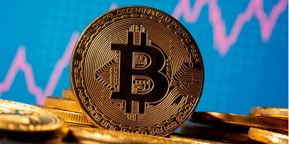 Bitkoin-preodolevaet-soprotivlenie-v-58-tys.-doll
