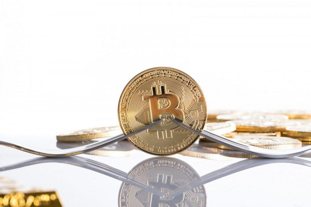 Криптовалюту нельзя покупать за рубли, евро или другую валюту