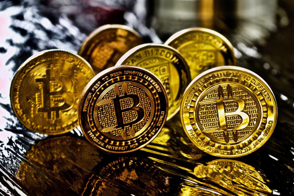 Coinbase о криптовалюте: «Законодатели США не могут признать преступным то, что делают свыше 50 тысяч американцев»