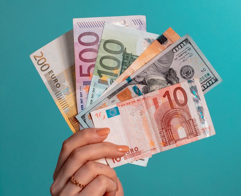 Нестандартные комбинированные сделки EDS ( Equity Default Swaps) получили название экзотических.